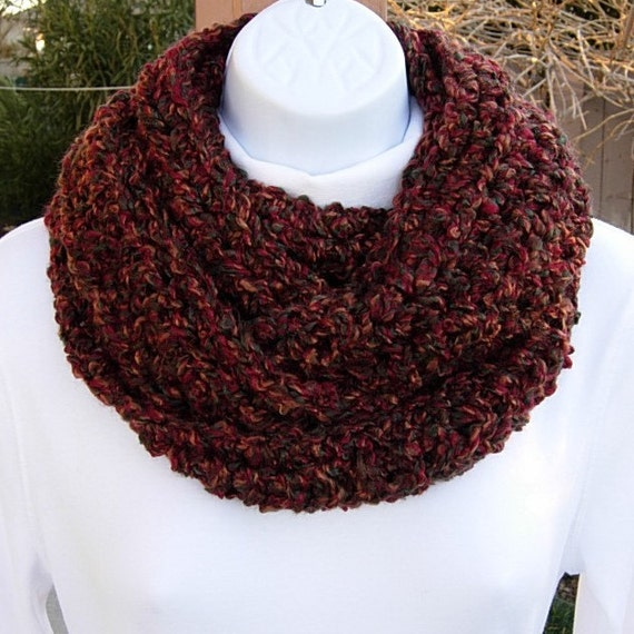 INFINITY LOOP SCARF..Rust, Red, Brown, Green..Autumn Colors..Super-Soft..Crochet..Warm..Cowl, Neck Warmer..Ready to Ship in 1 to 3 Days