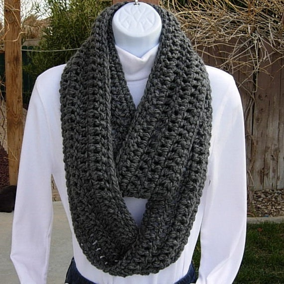 INFINITY LOOP SCARF..Solid Charcoal Grey Gray Winter Eternity Circle Cowl..Super-Soft, Bulky..Neck Warmer..Ready to Ship in 2 Days