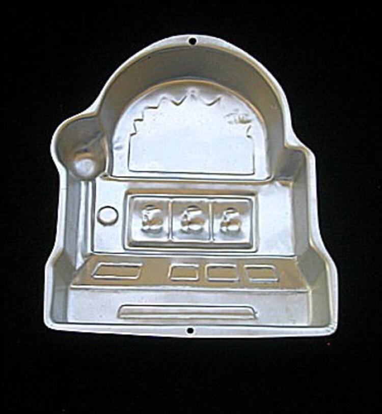 Wilton Slot Machine Cake Pan Poker Gambling Reno Las By