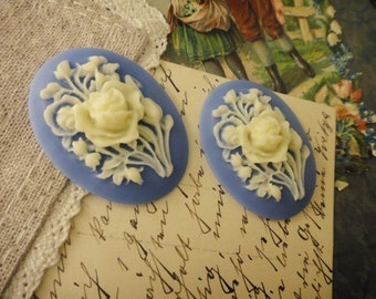 4Pcs Flowers In The Blue Sky 30mmx40mm Cameos