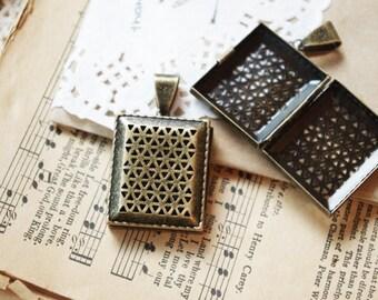 30pcs antique brass cage lockets