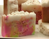 Pearberry Shea Butter Soap 4.5 oz with exfoliating Blueberry, Raspberry and Cranberry Seeds