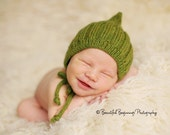 esmae's pixie hat in bright olive