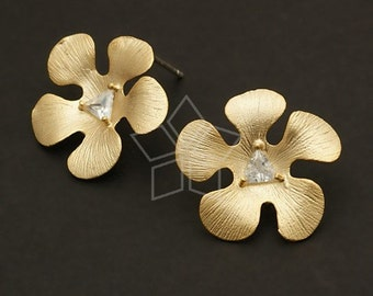 SI-307-MG / 2 Pcs - TriStone Daisy Earring Findings, Matte Gold Plated over Brass Body with .925 Sterling Silver Post / 19mm x 20mm