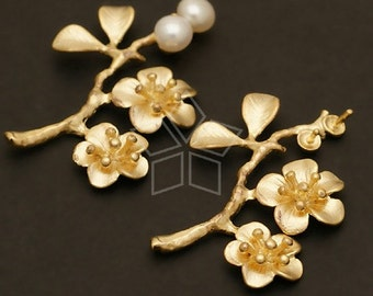 AC-125-MG / 2 Pcs - Cherry Blossom Findings, Matte Gold Plated over Brass / 21mm x 30mm