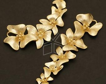 AC-383-MG / 2 Pcs - Fivefold Flower pendant, Matte Gold Plated over Brass / 17mm x 55mm