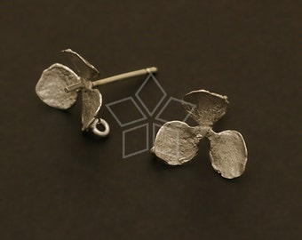 SI-053-MS / 4 Pcs - Trefoil Flower Earring Findings, Matte Silver Plated, with .925 Sterling Silver Post / 11mm