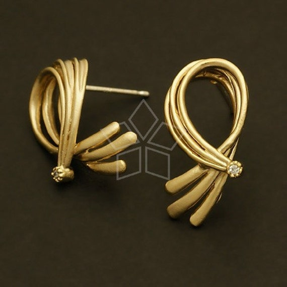 SI-398-MG / 2 Pcs - Epaulette Earrings, Matte Gold Plated, with .925 Sterling Silver Post / 16mm x 16mm