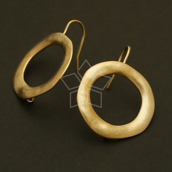 EA-056-MG / 2 Pcs - Vintage Circle Earring Findings, Matte Gold Plated over Brass / 22mm x 26mm