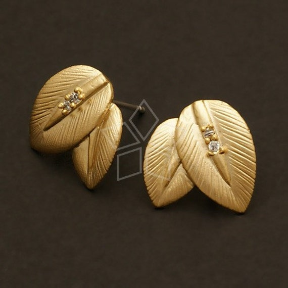 SI-417-MG / 2 Pcs - Double Leaves Earrings, Matte Gold Plated, with .925 Sterling Silver Post / 13mm x 13mm