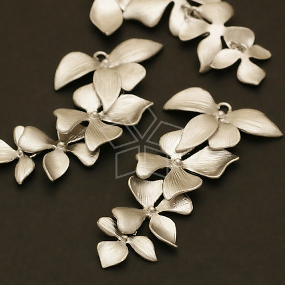 AC-400-MS / 2 Pcs - Fourfold Wild Orchid Pendant, Matte Silver Plated over Brass / 21mm x 41mm