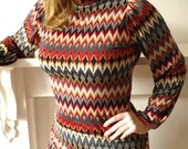 Groovy 60s missoni style red and grey zig zag chevron mini scooter dress with gold accents medium