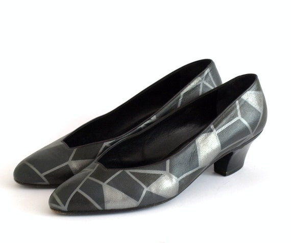Vintage Thierry Mugler grey and silver 'crazy paving' mosaic patchwork shoes with low to mid heel UK 7, US 9.5EU 40.5