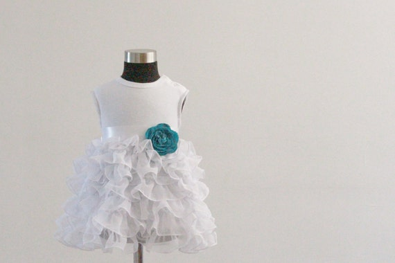 Elegant gentle white party dress with big flower photo prop glamour vintage style size from 2T to 6 y.o.