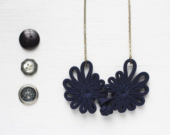 Dark Navy Blue Chinese Oriental Button Lace Antique Brass Necklace, Cheongsam Button Nautical Asian Wedding
