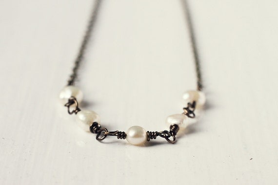 Minimalistic Bridesmaid Jewelry Antique Bronze Pearl Necklace - Pearlescent