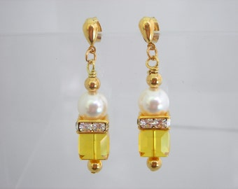 Lt Topaz Swarovski Crystal and Pearl Earrings