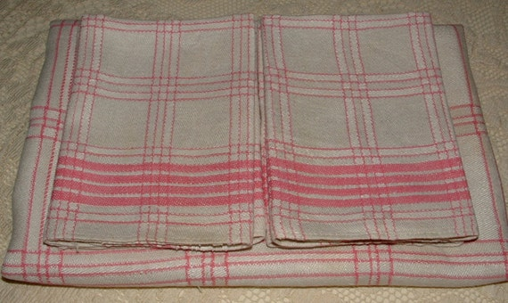 """Vintage Linen Tablecloth with 4 napkins - Plaid Salmon Pink and Ivory - 41"""" x 42"""""""