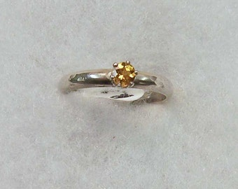 Ring- Sterling Silver with Faceted Citrine Sz 6
