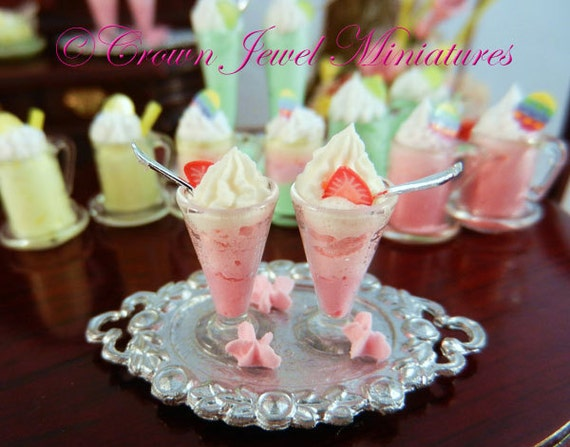 OOAK ARTIST 2 Strawberry Parfaits with Marshmallow Stars by Crown Jewel Miniatures