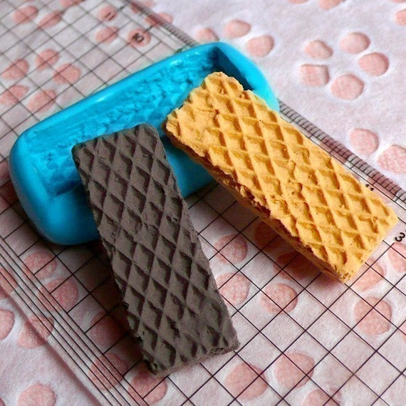 Flexible Silicone Mold Wafer Waffer Biscuit Mold 39mm Kawaii Sweets Miniature Food Fimo Jewelry Charms Cabochon Resin Wax Push Mold MD312
