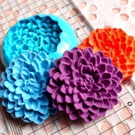 Flower / Pom Pom Chrysanthemum (33mm) Silicone Flexible Push Mold - Jewelry, Charms, Cupcake (Clay, Fimo, Resin, Wax, Soap, Fondant) MD593