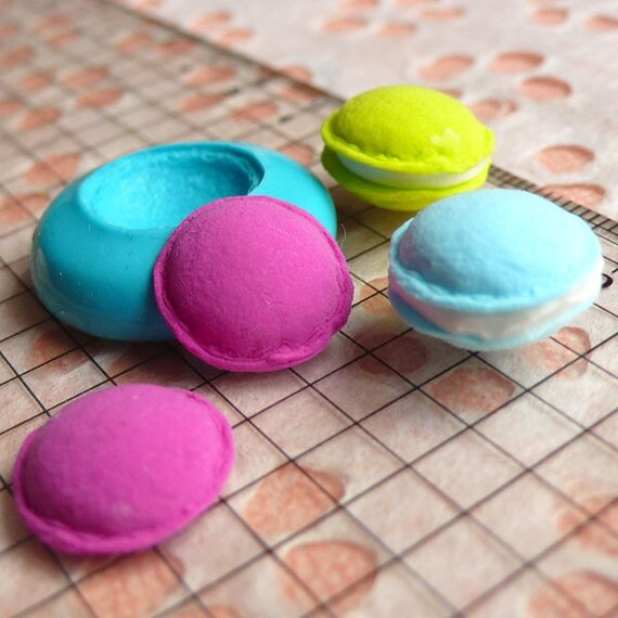 Macaron Mold 14mm Silicone Flexible Mold Decoden Kawaii Miniature Mold Sweets Fimo Polymer Clay Mold Food Jewelry Cabochon Push Mold MD251