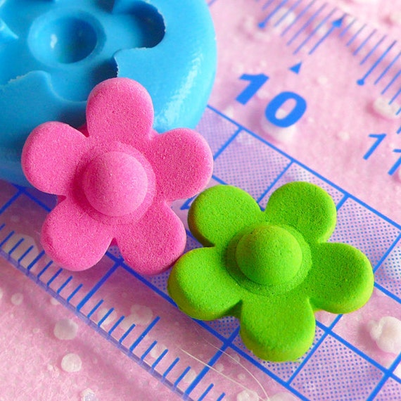 Flower Mold 14mm Flexible Silicone Mold Fondant Gumpaste Mold Mini Cupcake Topper Mold Jewelry Earrings Mold Polymer Clay Push Mold MD563