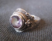 Beautifully Detailed Vintage Sterling Silver Amethyst Ring Size 7.5