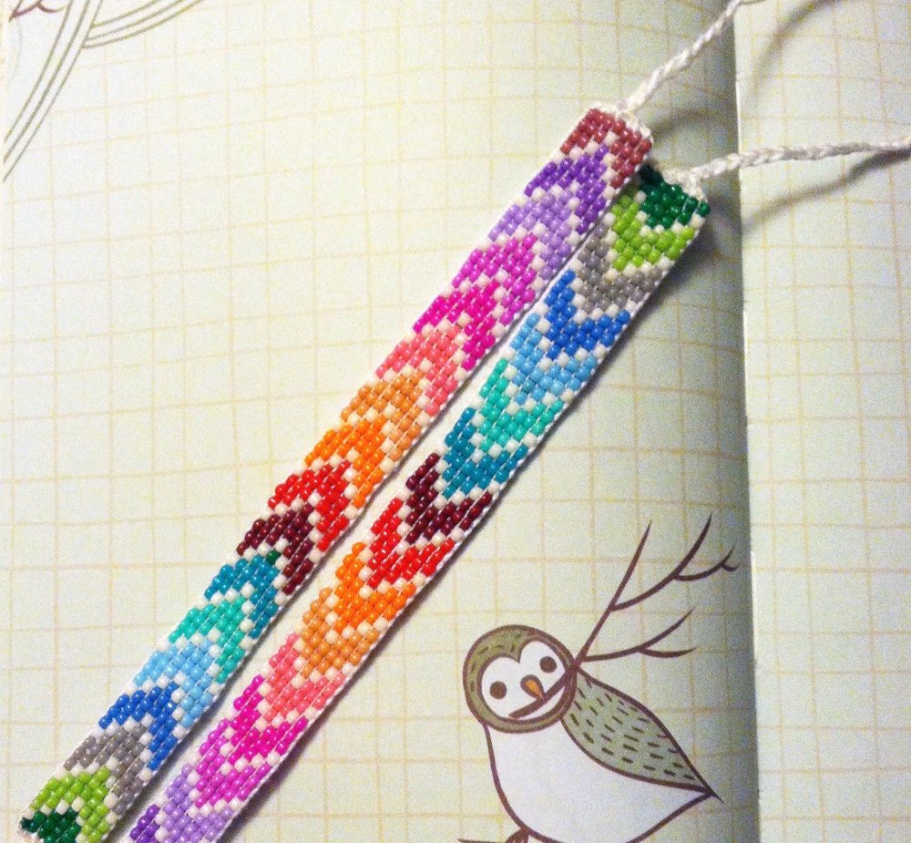 Friendship bracelets chevron pattern