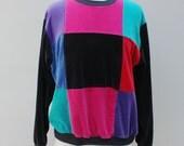 80s Vintage Women's Checkered Velour Sweatshirt - LARGE