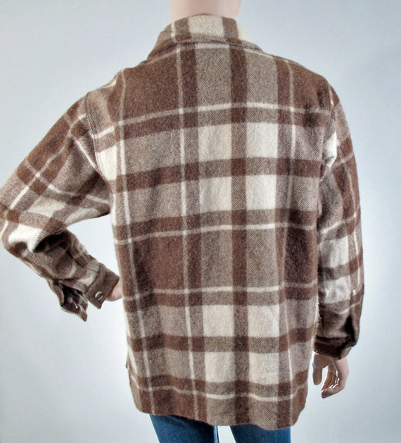 Vintage 70s Woolrich Plaid Flannel Jacket size LARGE