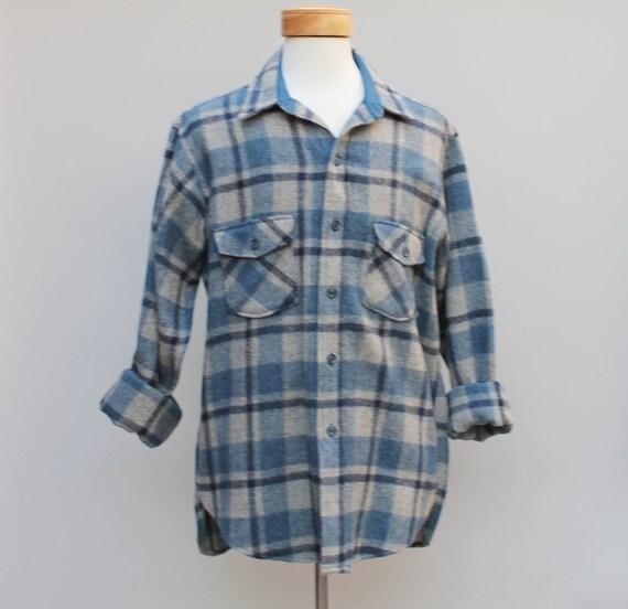 80s Vintage Men's Woolrich Wool Flannel Shirt - LARGE