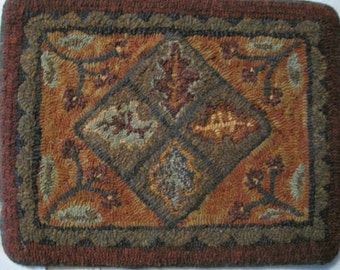 Larger Size Leaves and Berries-Primitive Linen-Hooked Rug Pattern