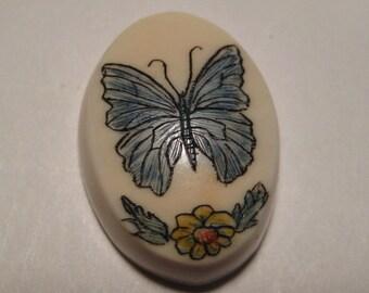 Butterfly  Scrimshaw fossil    .......    18 x 13 x 6          .................           813