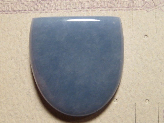 Angelite cab ......   31 x 29 x 5mm .......                                                          4140