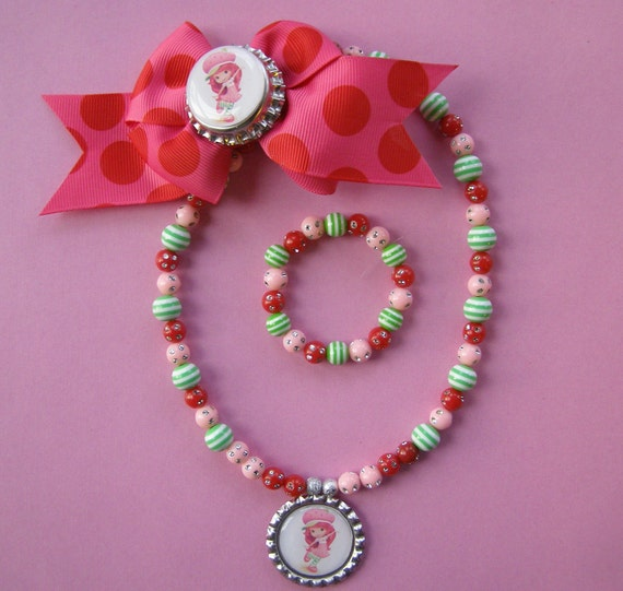 Strawberry Shortcake 3 Piece Stretch Necklace Bracelet and Hairbow Set