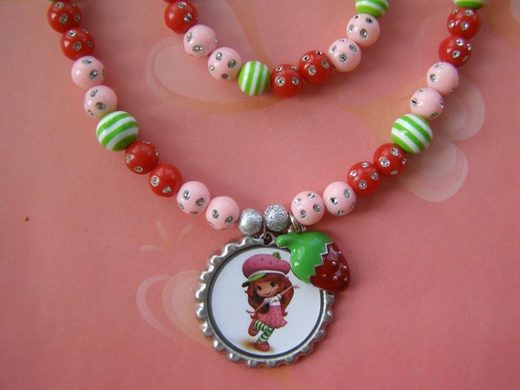 Strawberry Shortcake 2 Piece Stretch Necklace and Bracelet Set with Charm