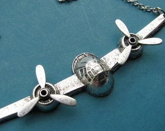 airplane necklace - silver - moving propellers - pan am jewelry
