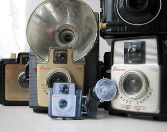 Brownie Starlet camera brooch - vintage photography pin