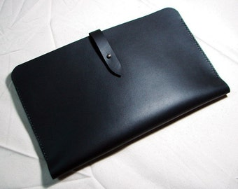 Leathinity - Hand Stitched Black Leather Sleeve for 11'' MacBook Air