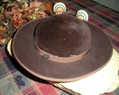 Brown Felt Schoolgirl Style Hat Wide Rim Two Hat Pins Bow Originals by Awlena