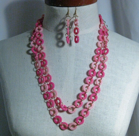 Vintage Pinks Necklace of Circles Set 1960's NEW OLD STOCK