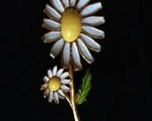 Vintage Weiss Double Enamal Daisy Flower Brooch