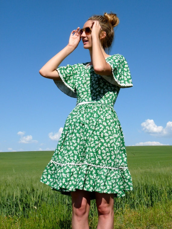 50s Ditsy Green Full Skirt Prairie Dress xs s m