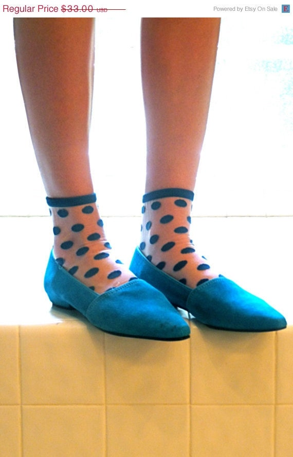 Size 9 80s Pointy Electric Blue Suede Shoes