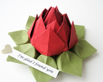 PERSONALIZED Paper Flower - Origami Lotus Flower with Romantic Message in Deep Red and Moss Green with gift box for anniversary