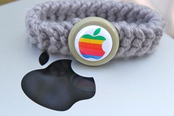 Old School Apple Kitty Collar