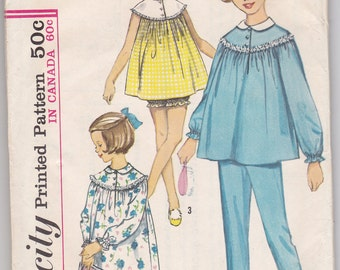 Simplicity 5552 Child's and Girl's Nightgown or Pajamas Size 4