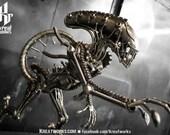 Metal Sculpture - Recycled Metal Standing Monster : Tail up (Medium item)